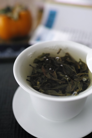倚邦古樹青餅2014年プーアル茶