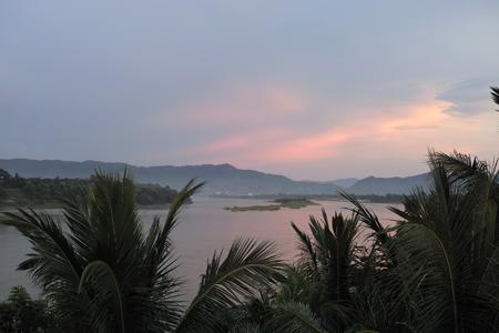 メコン川夕日