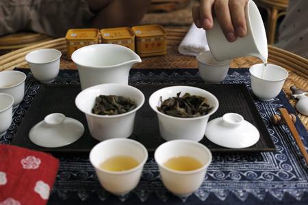 易武山のお茶飲み比べ