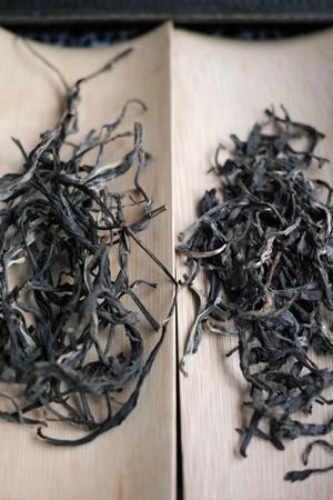 漫撒山一扇磨の散茶2013年プーアル茶と飲み比べ