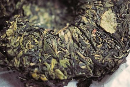 曼松古樹黄片小餅2014年プーアル茶
