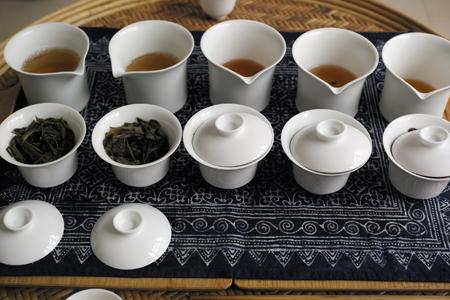 漫撒古樹青餅2013年・青印プーアル茶