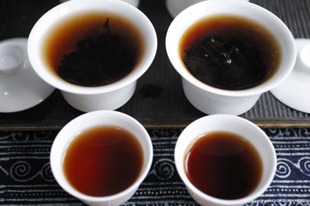 熟茶のプーアル茶飲み比べ