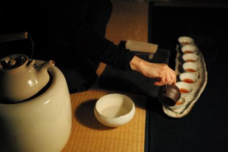 厚紙黄印七子餅茶プーアル茶