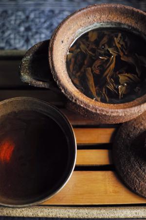 チェコの陶芸作家マルちゃんの茶壺
