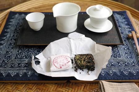 水仙烏龍古樹茶餅2014年