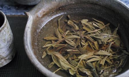 紅河秋天晒青茶2014年プーアル茶