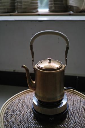 真鍮のヤカン