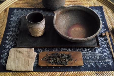 易武単樹青餅2014年・秋天プーアル茶