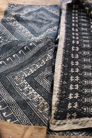 ラオスの織物布団