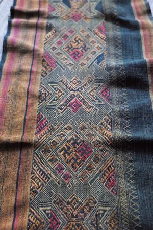 ミャンマーの織物