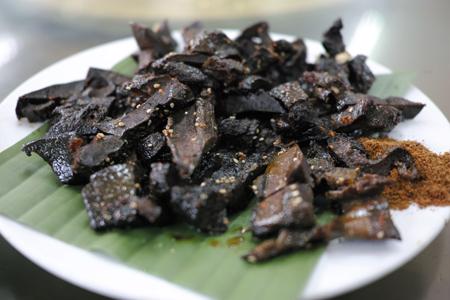 ダイ族の串焼き