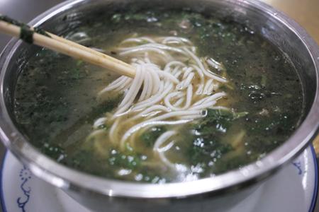 苦胆スープの米の麺