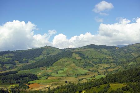 孟海の山と畑
