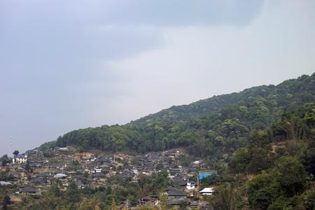 巴達山の天気が崩れる