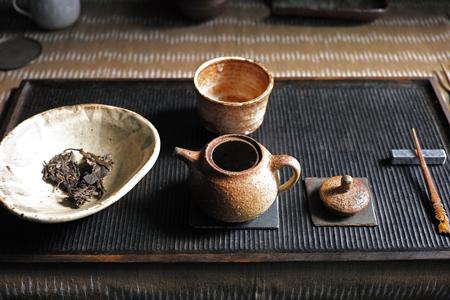 易武古樹青餅2010年の京都熟成