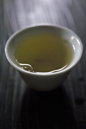 銅のヤカンとプーアール茶