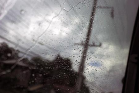 チェンコーンへバスの窓の水滴