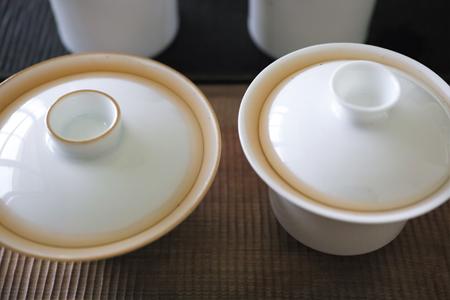 白磁の蓋碗2種3煎め