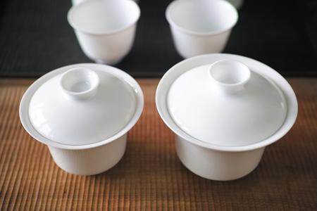 白磁の蓋碗大・小上から