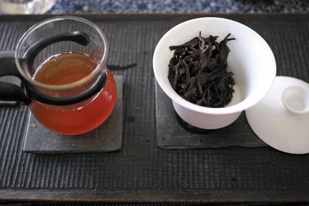 巴達純生青餅2011年泡茶