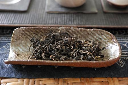 巴達曼邁熟茶2013年をチェコ土の茶則