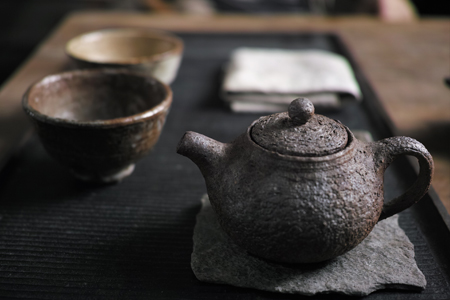 水漏れする茶壺