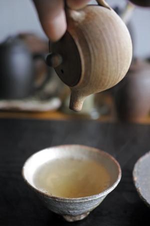 チェコ土の小さな茶壺