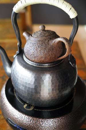 茶葉を火入れする