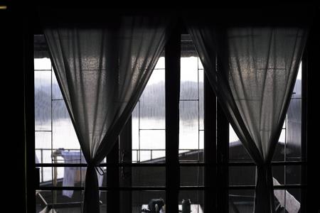 窓からメコン川