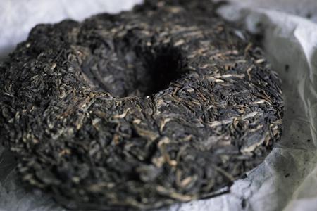 易武古樹青餅2010年京都壺熟成