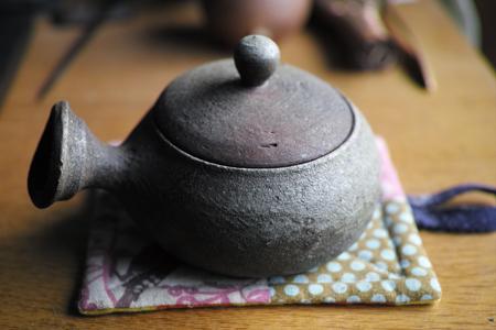 茶葉を温める器