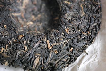 餅面の茶葉