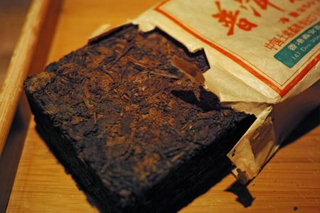 義安棗香73特厚磚茶