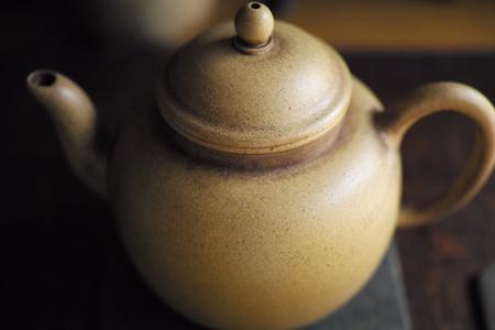 白泥の茶壺
