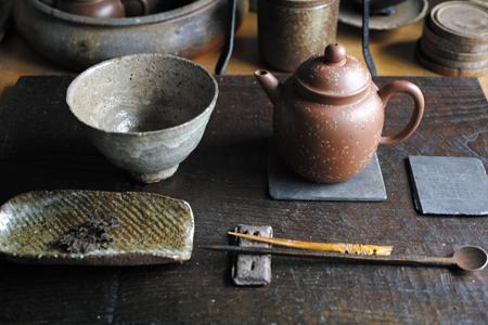 大きめの茶壺と茶杯