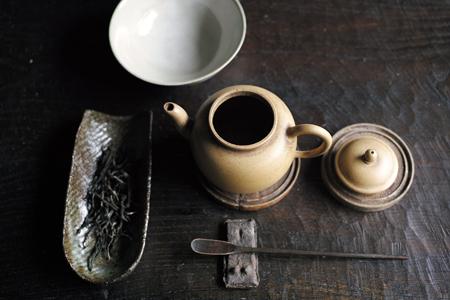 茶器と茶葉