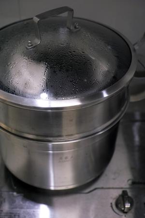 茶葉を蒸す2