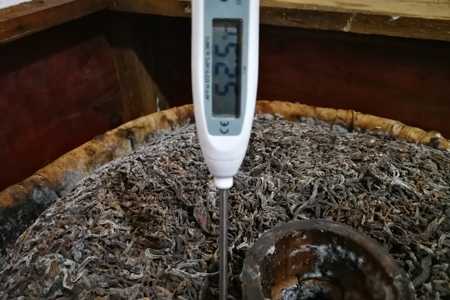 渥堆発酵の発熱