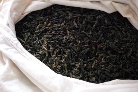 ちじれた茶葉