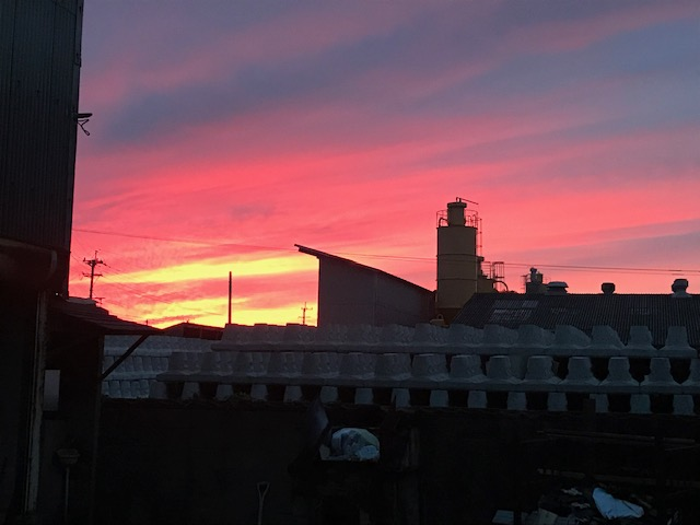 組合倉庫から見えた夕日です