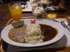 辛くない野菜カレーとクラシックビーフカレーのハーフ&ハーフ