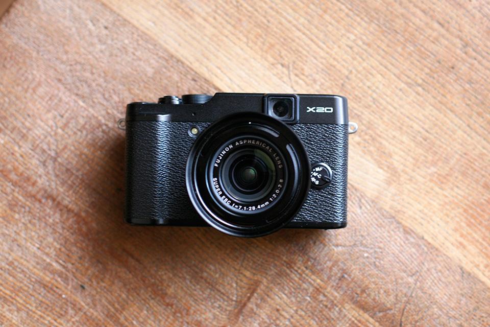 FUJIFILM X20の本体写真2