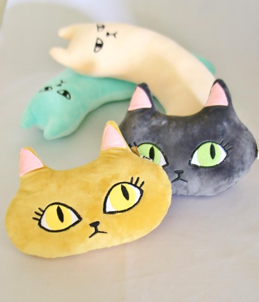 猫雑貨 猫 おもちゃ 秋田 枕 ケリケリ