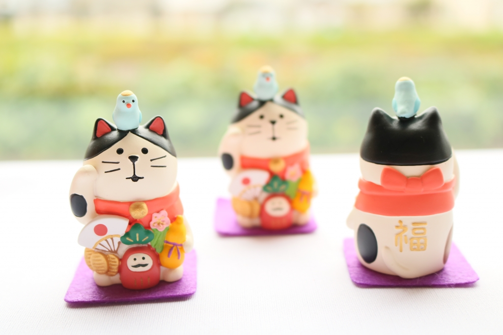 猫雑貨 猫グッズ 秋田 かぎしっぽ デコレ コンコンブル 招き猫 concombre