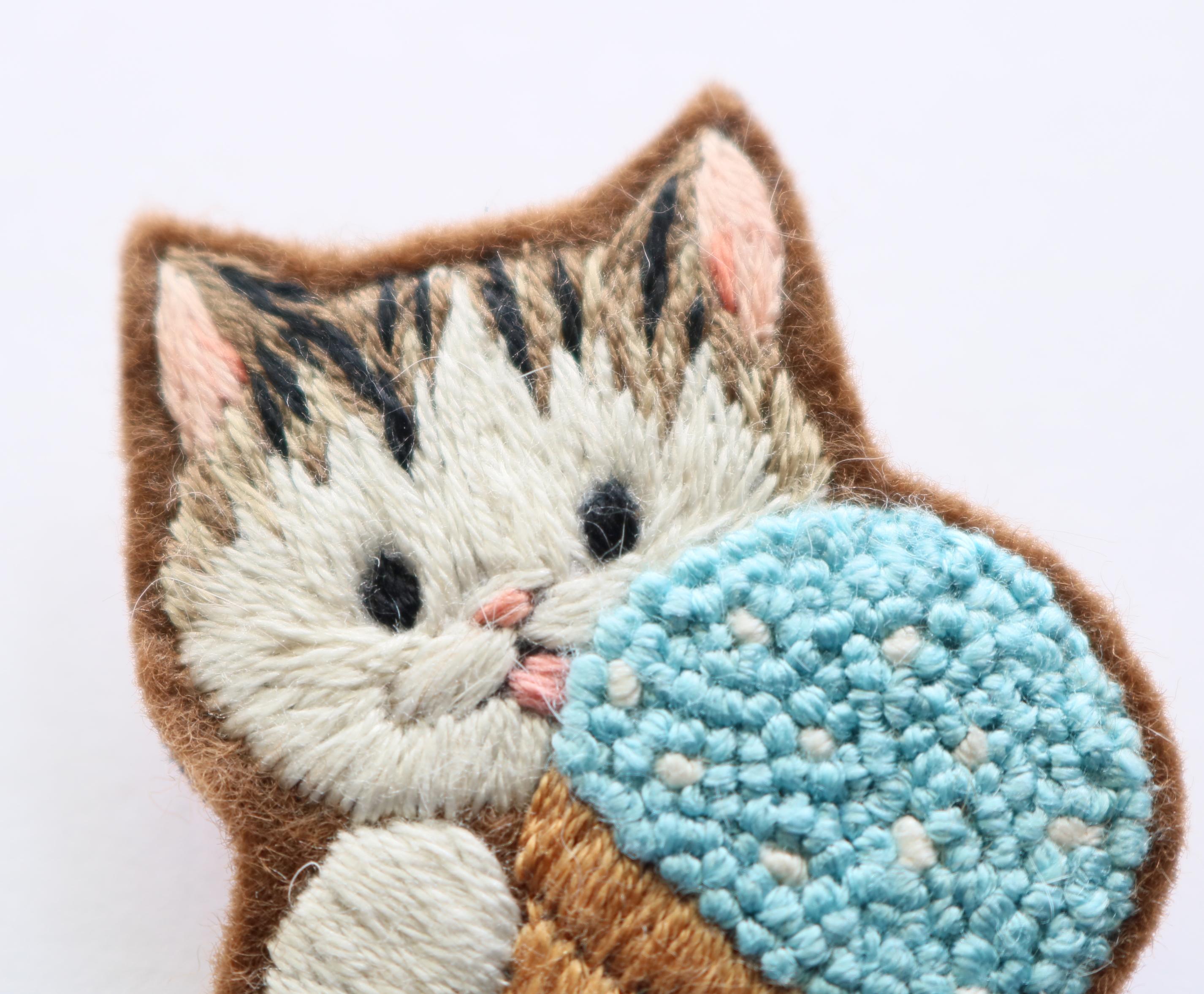chic_chic_cat 刺繍ブローチ ハンドメイド 猫雑貨 猫グッズ 秋田 かぎしっぽ
