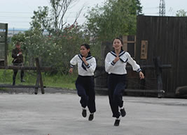 深田さん長澤さん走る