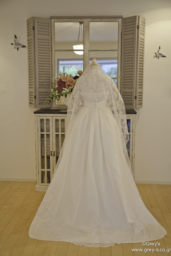 Grace kelly(Grey's)Weddingdress IMG_5212(修正有)後ろ姿.jpg