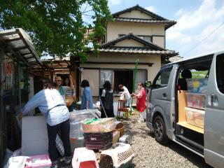 5月31日、スタッフ総出で荷物の搬出。 ありし日の旧ポチたまハウス。