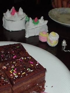 プレゼントとケーキ